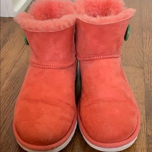 Two tone Ugg ankle boot